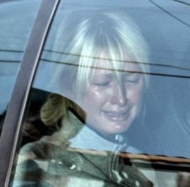 paris-crying